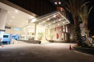 Hotel Grandia Bandung - Pintu masuk hotel