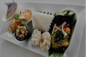 Hotel Grandia Bandung - Meals