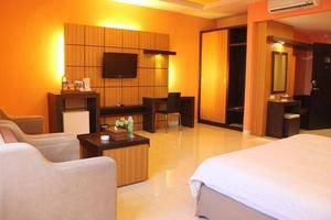 Hotel Kini  Pontianak - Kamar Tamu