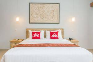 ZenRooms Ubud Jembawan Bali - Tampak tempat tidur double