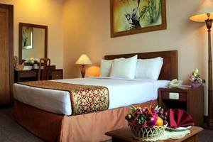Abadi Suite Hotel   - Kamar tamu