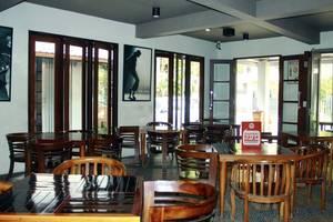 NIDA Rooms Candi House 12 Lowokwaru - Restoran