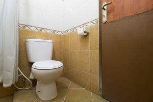 RedDoorz @ Kanayakan Lama - Kamar mandi