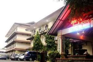 Mega Matra Hotel Jakarta - Tampilan Luar