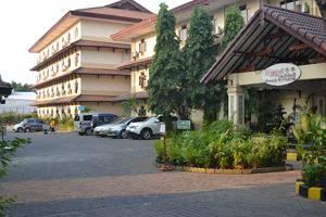 Mega Matra Hotel Jakarta - Tempat Parkir