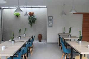 Casa Living Jakarta - Ruang makan