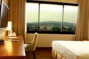 Patra Jasa Semarang Convention Hotel Semarang - Kamar Deluxe dengan Pemandangan Bukit