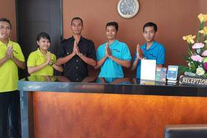 Kana Citra Guesthouse Surabaya - Hotel Staff