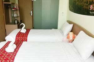 Business Hotel Jakarta - Deluxe Twin Room
