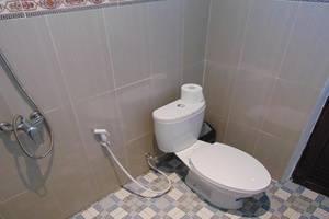 Bunga Ayu Homestay Bali - Bathroom
