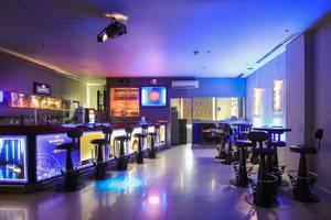 Sparks Hotel Mangga Besar Jakarta - Coda Bar & KTV