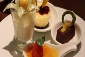 Hotel Resty Menara Pekanbaru - Menu