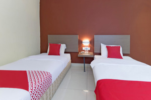 OYO 272 M Suite Homestay Malang - Guest Room
