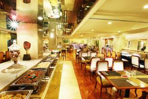 Hotel New Saphir Yogyakarta - Cafe