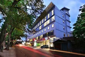 NEO Dipatiukur Bandung - Tampilan Luar Hotel