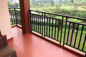 Bess Resort & Waterpark Lawang - Balcon