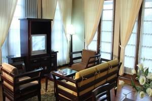 Campago Resort Hotel Padang - Ruang tamu