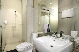 Whiz Prime Kelapa Gading - Kamar mandi