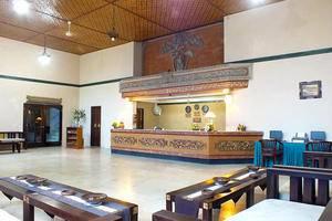 Palm Beach Hotel Kuta  - Lobi