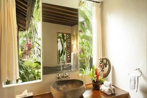 Esterin Villa Bali - Kamar mandi