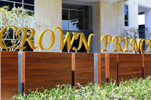 Crown Prince Hotel Surabaya - (16/June/2014)