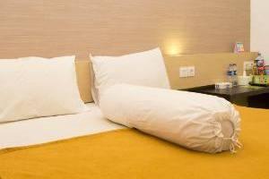 Save Hotel  Banjarmasin - Deluxe Room
