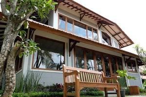 Kemboja Bed & Breakfast Cafe