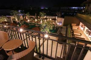 The Kana Kuta Hotel Bali - Deluxe balkon dengan pemandangan kolam renang