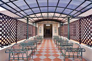ZEN Rooms Pejaten Raya Jakarta - Ruang makan