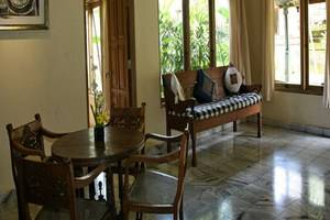 Lokasari Bungalow Bali - Ruang tamu
