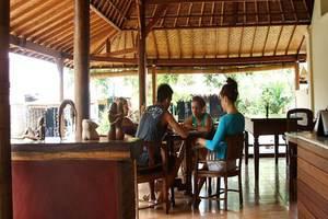 Lokasari Bungalow Bali - Ruang makan
