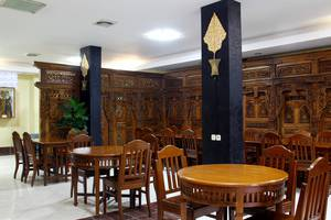 RedDoorz @Palasari Bandung - Interior