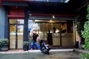 RedDoorz @Palasari Bandung - Eksterior