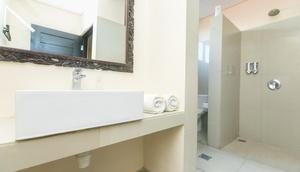 Rantun's Place Nusa Dua - Bathroom