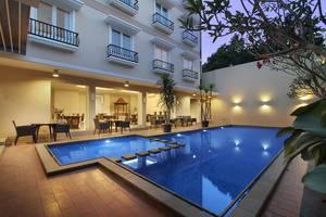 Sakanti City Hotel Yogyakarta - Pool