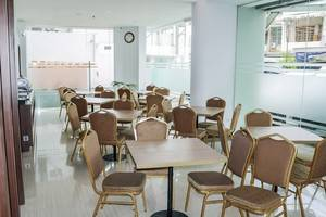 NIDA Rooms Waringin 6 Medan Baru - Restoran