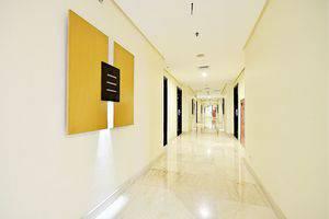 ZEN Premium Bandengan Selatan Jakarta - Koridor