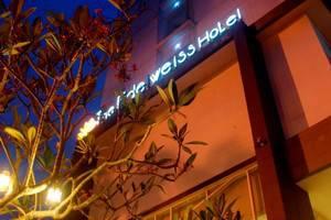 Edelweiss Hotel Jogja - Building