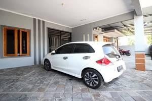 Cantik Manis Guesthouse Yogyakarta - Exterior
