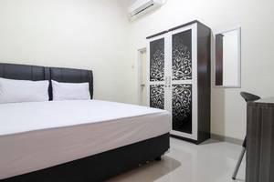 Cantik Manis Guesthouse Yogyakarta - Room