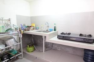 Cantik Manis Guesthouse Yogyakarta - Kitchen