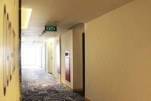 Yello Hotel Harmoni Jakarta - Eksterior