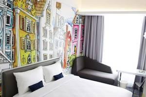 Yello Hotel Harmoni Jakarta - Kamar tamu