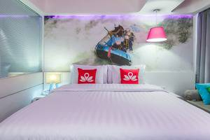 ZenRooms Kuta Raya Bali - Tampak tempat tidur double