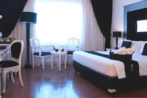 J Boutique Hotel Kuta - Kamar Executive (ranjang besar tipe queen)