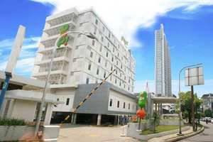 POP Hotel Kemang - Hotel Building