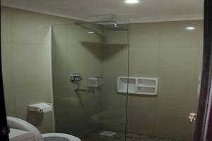 Villa Amaryllis Yogyakarta - Kamar mandi