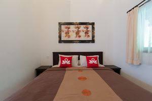 ZenRooms Legian Dewi Sri 3 Bali - Ranjang Ganda