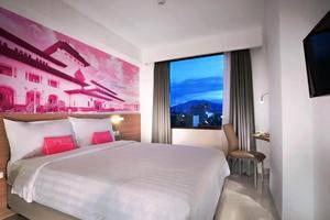 Favehotel Hyper Square Bandung - Standard Queen