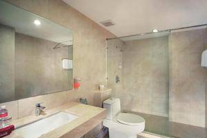 Favehotel Hyper Square Bandung - Executive Bathroom